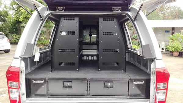 Shelving Systems - Delux 4x4 Accessories